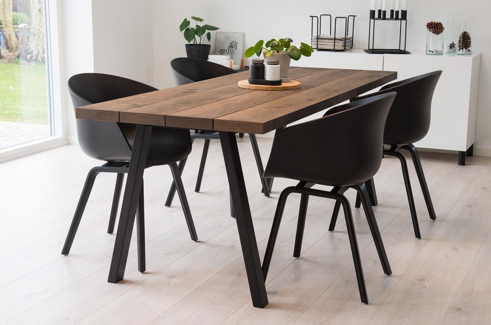 Det unikke designet plankebord, skaber em hyggelig stemning i de fleste hjem.